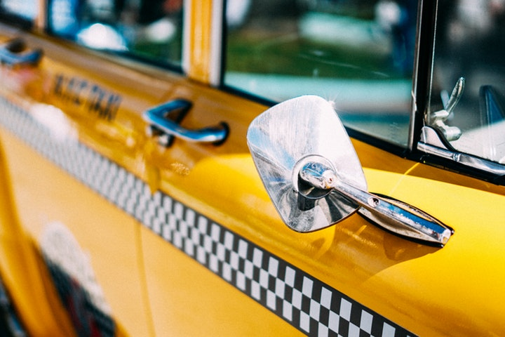 The Benefits of Hiring a Taxi Service